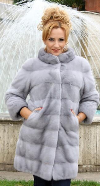 eeb692d66a210 Alviano s Furs - Home