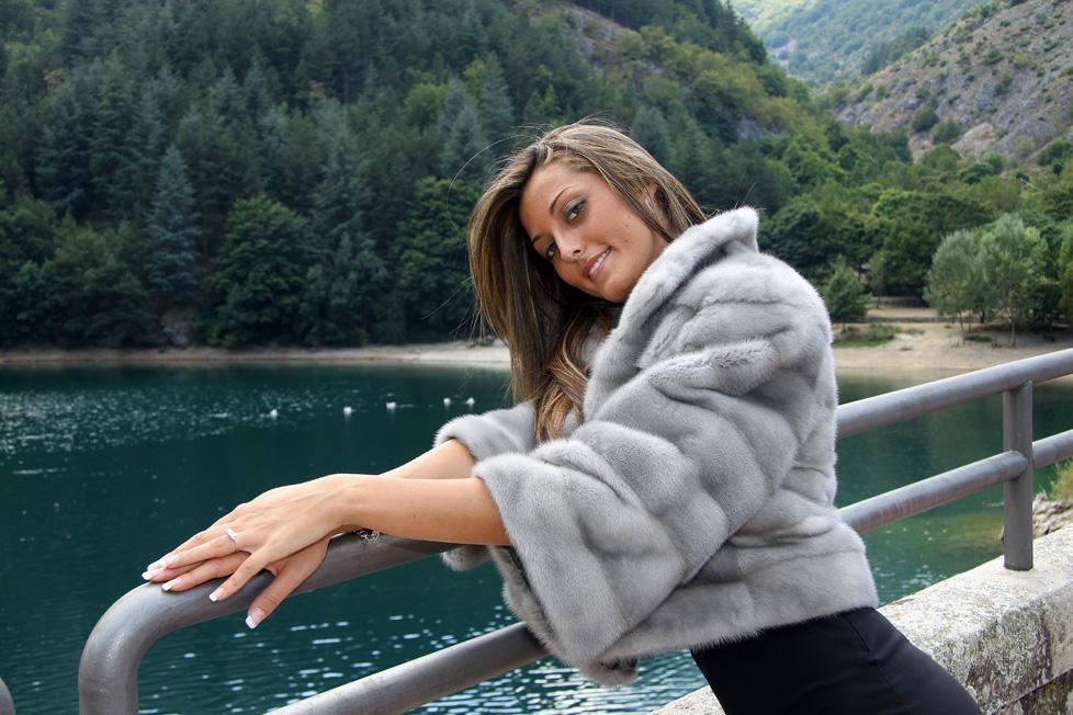 on sale 54ee6 2fc98 Pellicce Alviano - Alviano Fur